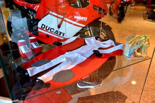 DUCATI CARRARA STORE DI E.GIANNARELLI Carrara foto 8