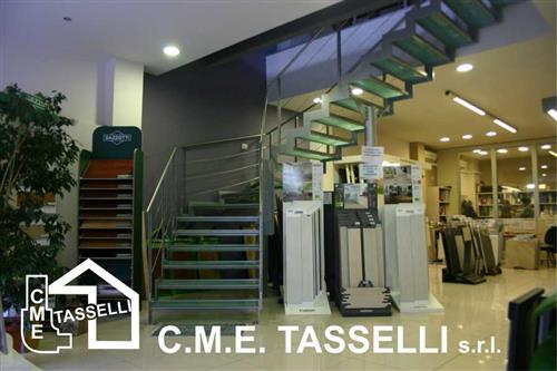C.M.E. TASSELLI FORNITURE PER EDILIZIA Vallecrosia foto 1