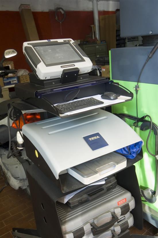 diagnosi elettronica e riparazione guasti auto