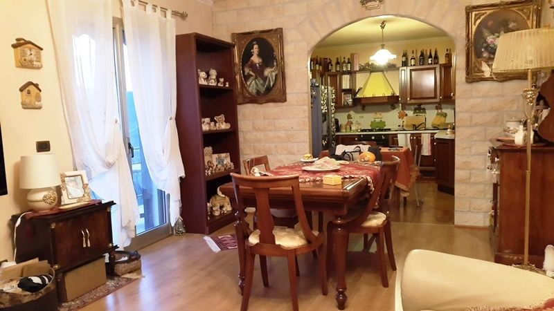 rif 1704 trilocale in villa in vendita