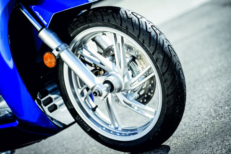 Offerta pneumatici - Promozione moto - Francesco Gomme e Servizi