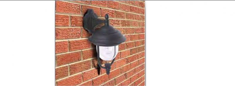 lanterna per esterni con braccio di sostegno