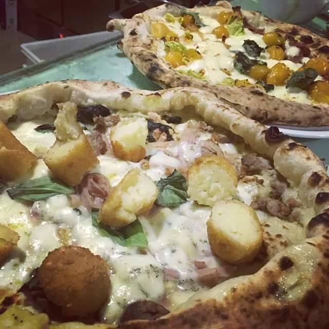 alla pizzeria napule mangi la super fiocco