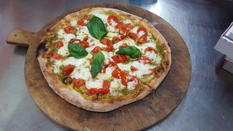 alla pizzeria da ernesto pizza pesto