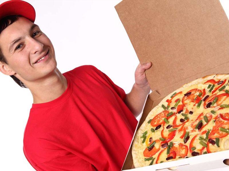 consegna pizze cotte su forno a legna a domicilio