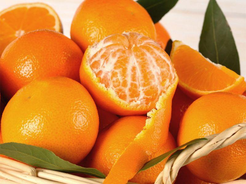 da peppe e lucia ci sono dei dolcissimi mandarini siciliani in offerta