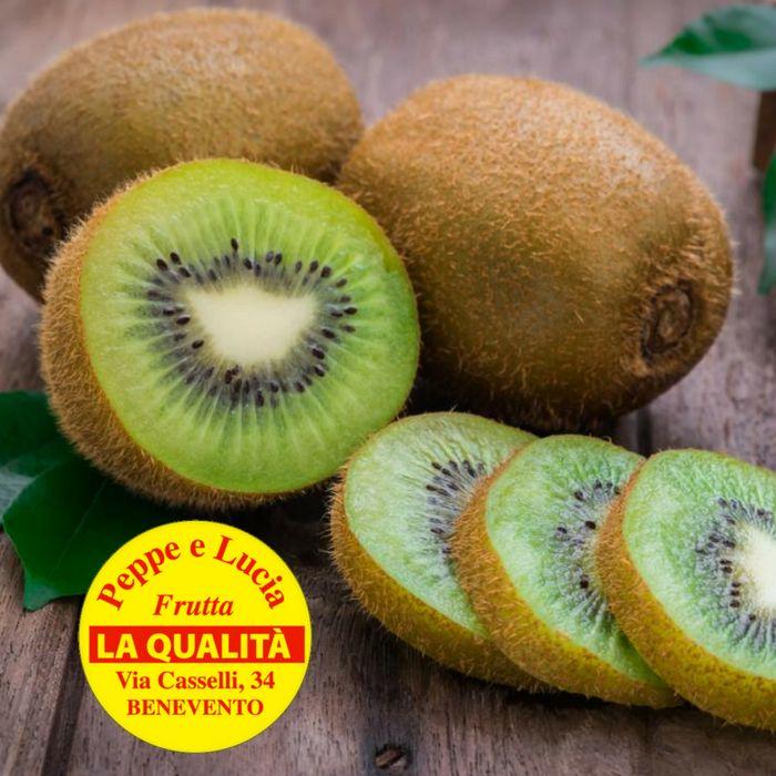 Da Peppe e Lucia trovi dei dolcissimi kiwi. Fai il pieno di vitamina C.