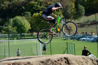 offerta noleggio mountain bike percorsi bike park pista cross trattoria tipica valle verde