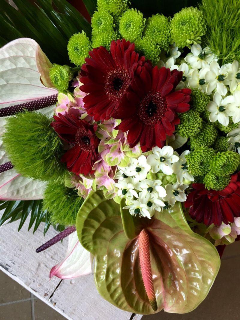 offerta servizio personalizzato decorazioni floreali per cerimonie composizioni funebri