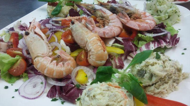 cene aziendali e cene a tema a base di pesce e buon vino a treviso castelfranco veneto offerta