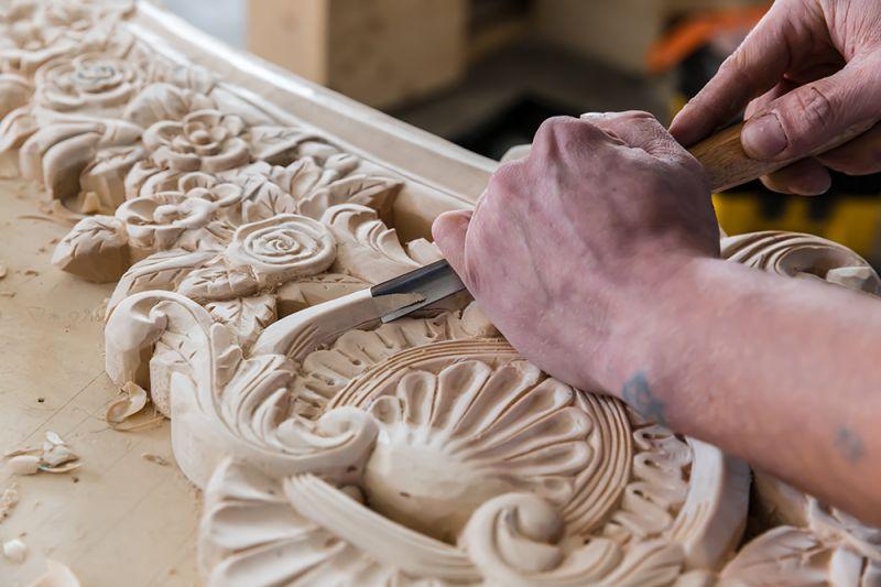 Occasione mobili su misura intaglio mobili - Promozione Restauro intarsio mobili artigianali