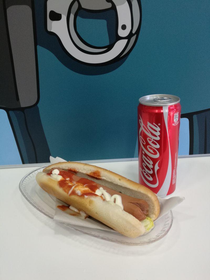 da mr donuts grafferia caffetteria ti aspettano dei golosissimi hot dog che farciamo come vuoi