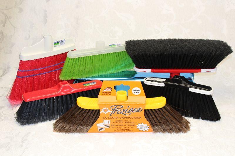 vendita offerta scopa e set scope per pulizia
