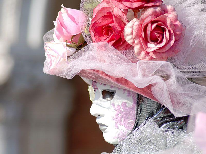 Offerta Vendita Costumi travestimenti per feste party - Promozione maschere parrucche Verona