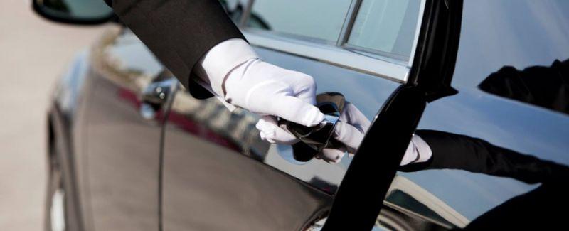 Offerta trasporti manageriali con autista conducente - Viaggi di lavoro da e per aeroporto