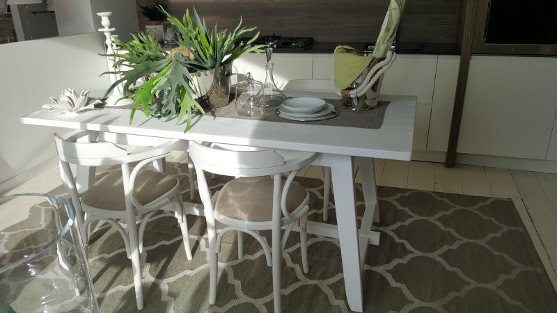 OFFERTA Tavoli in legno laccato per cucine e soggiorni | ARTARREDA San Bartolomeo al mare (Impe