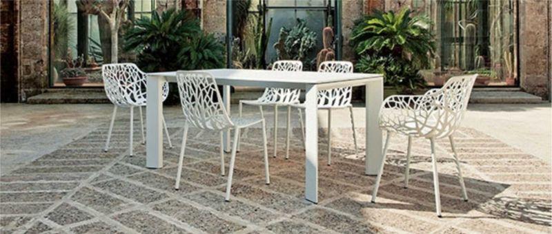 Vendita ed Installazione Tavoli e Sedie per Esterni