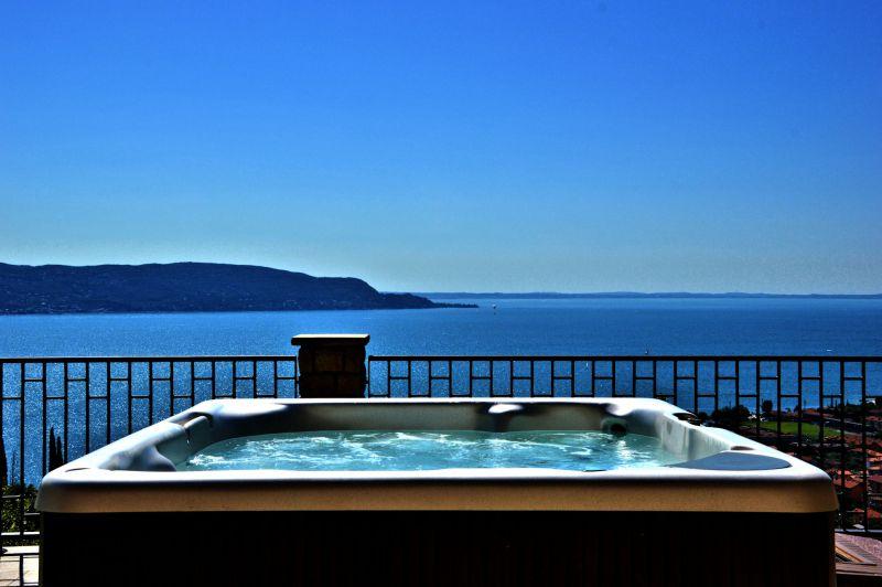 Juni Juli in der Residenz am Gardasee- Gardasee Unterkunft angeboten am Gardasee Italy