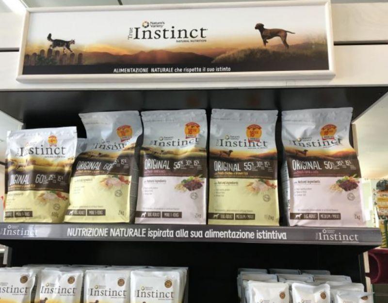 Offerta promozione TRUE INSTICT alimento per cani e gatti