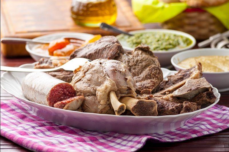offerta mangiare bollito misto di carne piatti Veneti - occasione Vicenza trattorie tipiche