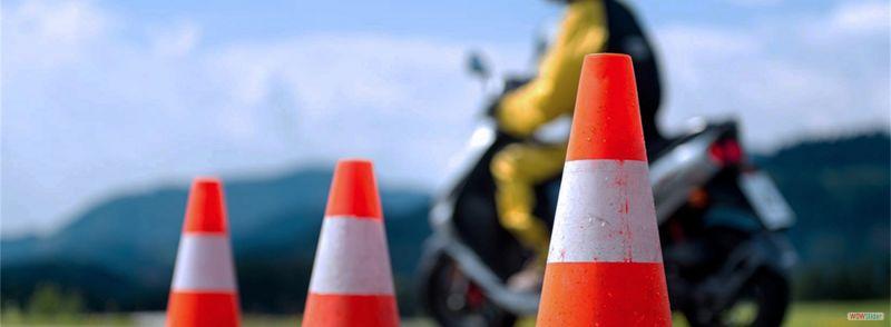 offerta Corsi di teoria e guida per motoveicoli - occasione Corsi per patentino ciclomo vicenza