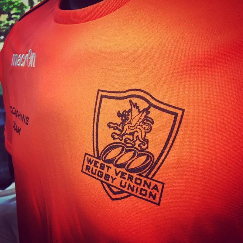 Offerta stampa divise calcio e tornei-Promozione stampa maglietta calcio personalizzata Verona