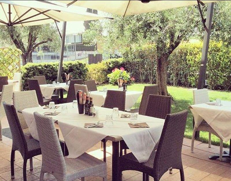 Offerta Osteria posti all'aperto Verona Sommacampagna-Promozione osteria con terrazza Custoza