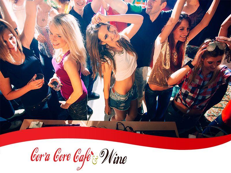 Offerta Locale per Feste Private - Promozione Organizzazione Feste di Laurea - Cor'a Core Cafe'