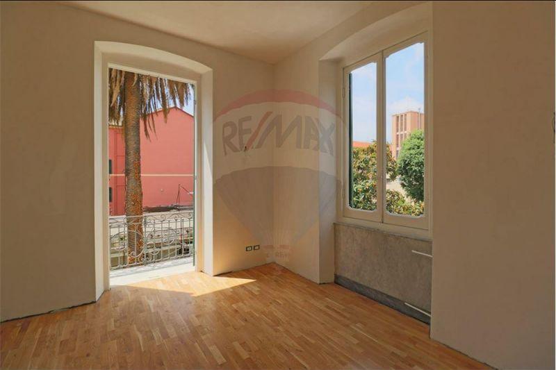 offerta vendesi appartamento in villa sestri ponente - occasione appartamento sestri ponente