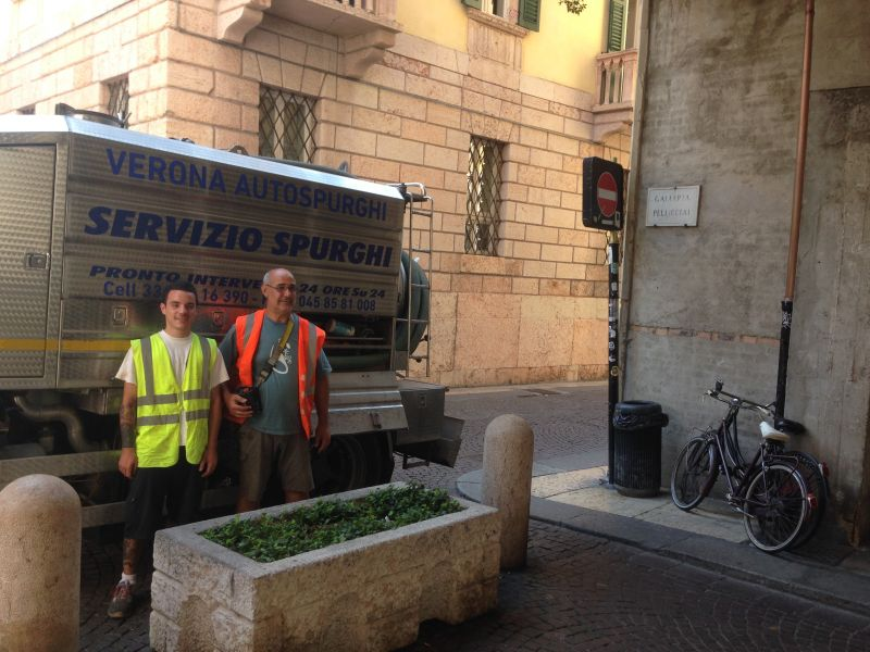 Offerta autospurghi Verona - Promozione disintasamenti e spurghi civili e industriali a Verona