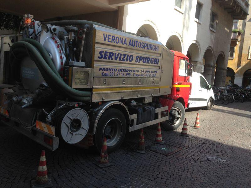 Offerta abbonamento per controlli tubature-Promozione manutenzione impianto fognario Verona