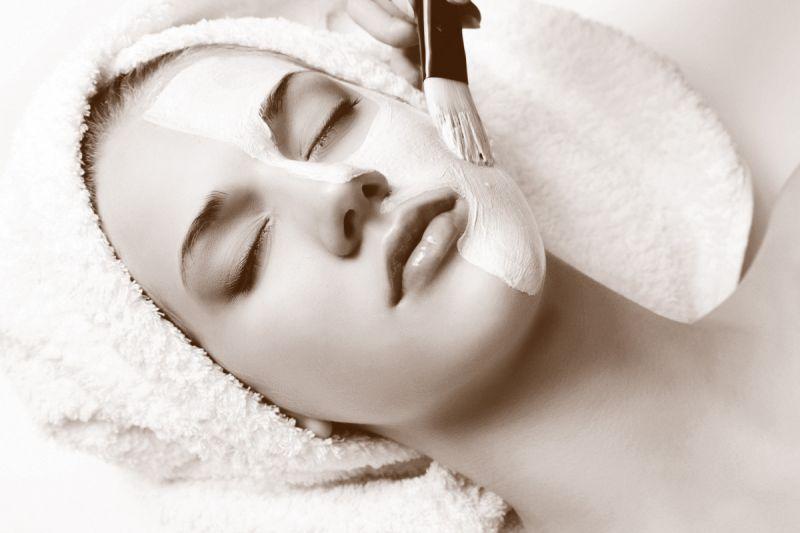 Offerta crema Acido Ialuronico e staminali vegetali - promozione idratazione viso corpo capelli