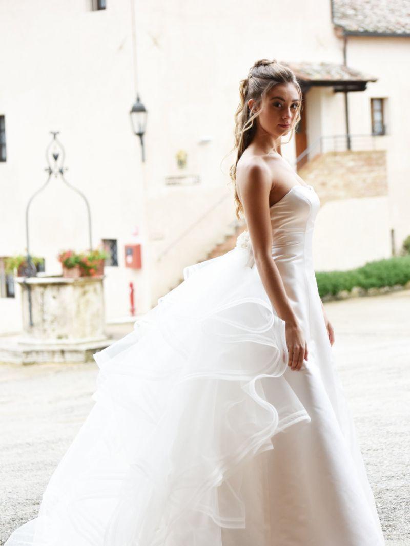 Offera abiti da sposa - Abiti per sposi su misura - alta  sartoria - Siena - Zea Couture