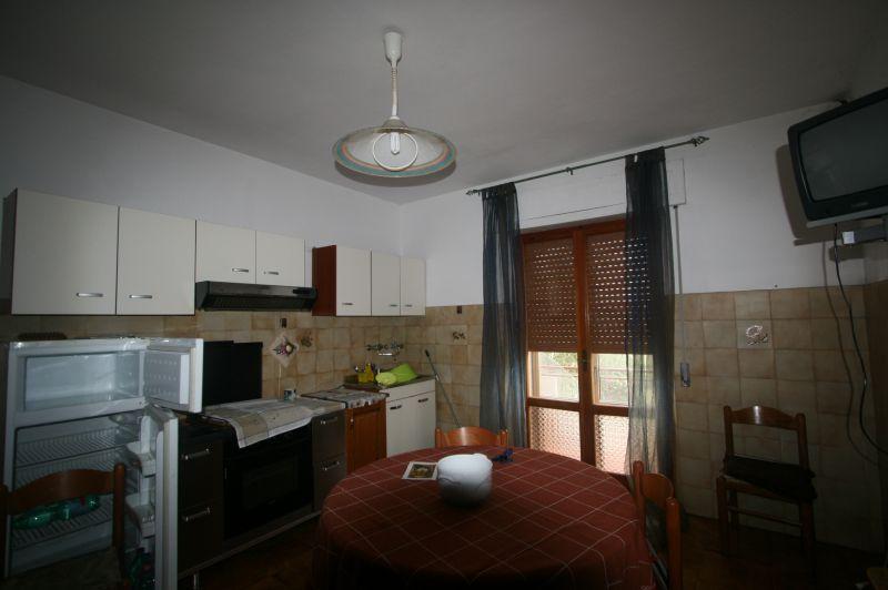 Gallina vendesi appartamento con ingresso condominiale posto al piano primo di mq 95