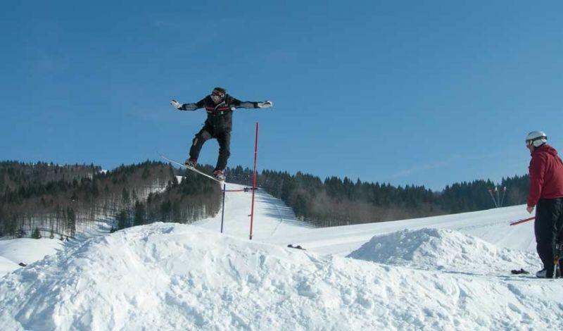 Offerta pacchetto Lezioni collettive di Sci ad Asiago-Promozione lezioni di gruppo di Snowboard