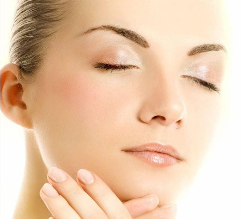 trattamento all'acido mandelico. Illumina il viso e ne rende omogenei i tratti