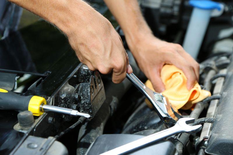 Offerta vendita ricambi usati per autovetture - Occasione ricambi multimarca per auto Verona