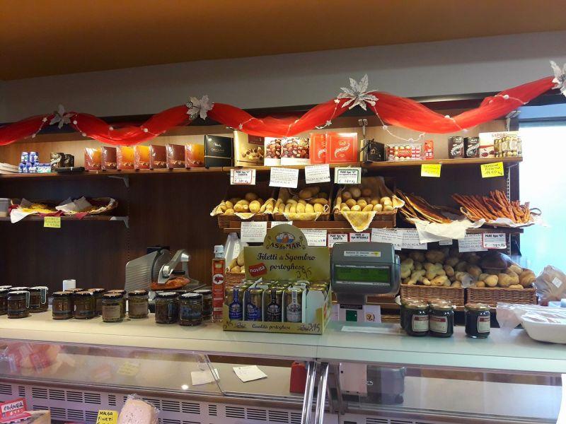 Offerta gastronomia negozio di alimentari Badia Calavena - Specialità pesce e selvaggina Verona