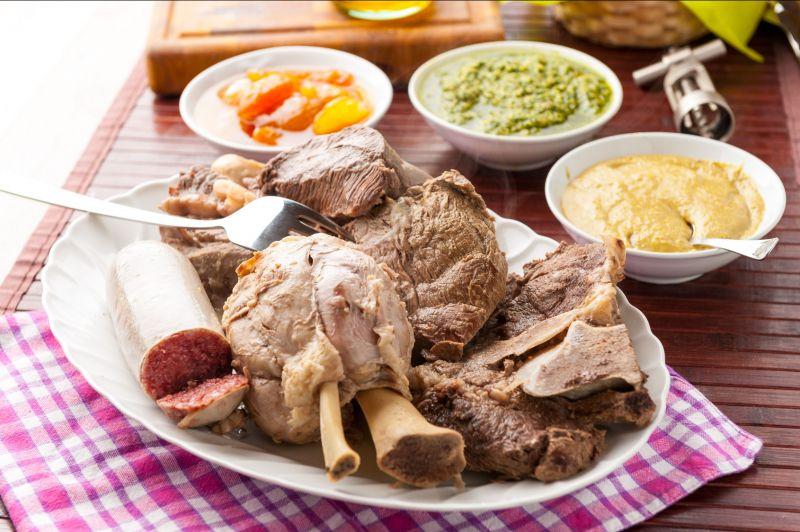 Offerta specialità bolliti di carne arrosti con mostarda salsa verde -Promozione bollito Verona