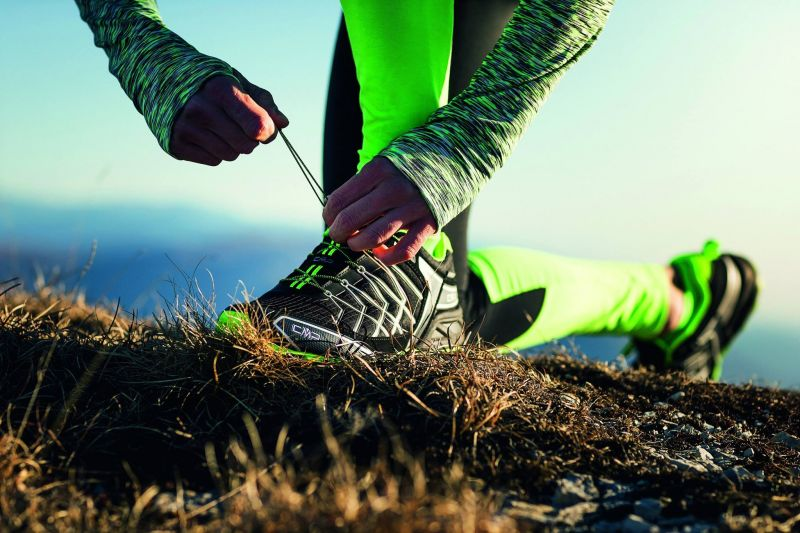 offerta vendita abbigliamento sportivo escursionismo - occasione vendita abbigliamento trekking