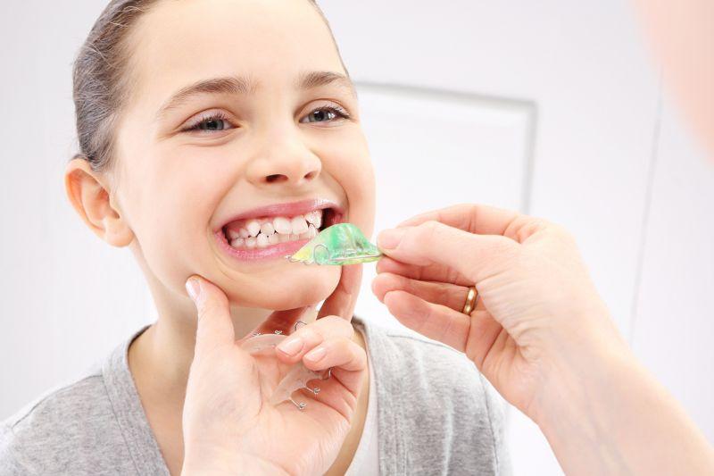Offerta apparecchio bimbi fisso mobile per bambini - Promozione dentista pediatrico Verona