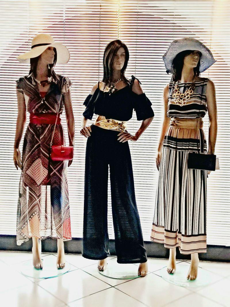 Nuovi arrivi collezione Estate 2018 moda donna abiti bluse pantaloni accessori