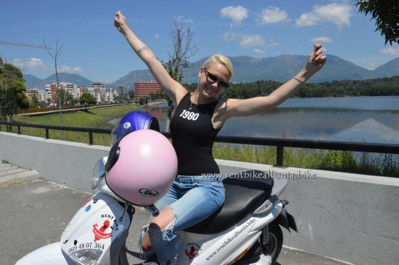 Angebot Eine Fahrt mit Scooter entlang der Ionian Riviera alles inklusive
