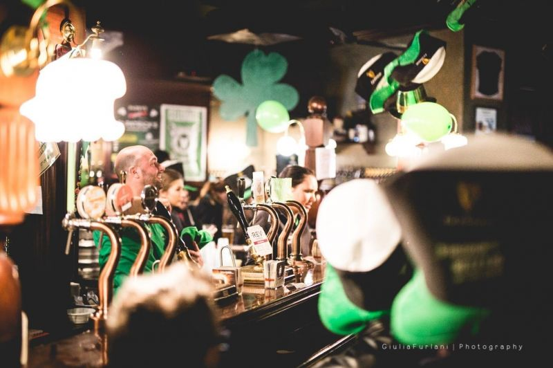 offerta bere birra artigianale a vicenza birreria pub - occasione birra chiara ambrata e scura