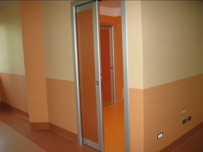 Offerta produzione di Porte interne in alluminio -Offerta Installazione porte per uffici Verona