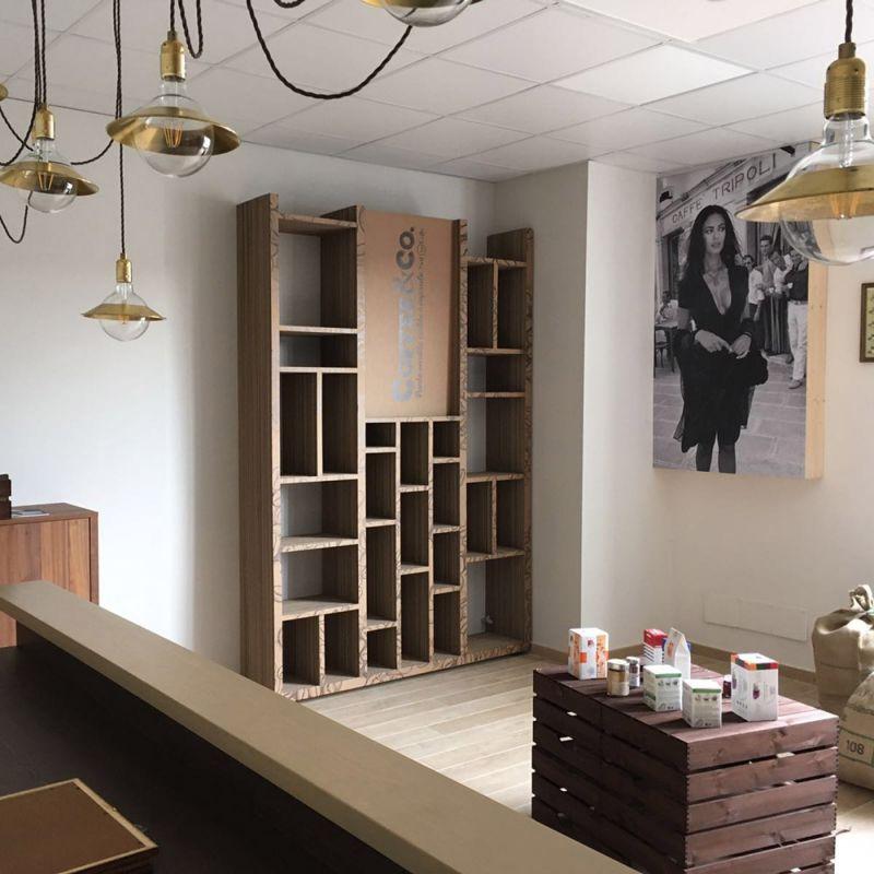 Offerta arredi in cartone per negozi Spoleto - Totem in cartone - Grafox