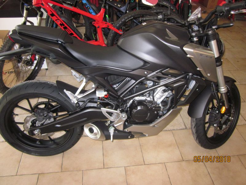 offerta honda cb 125 r pronta consegna-promozione moto performante honda cb 125 r nera