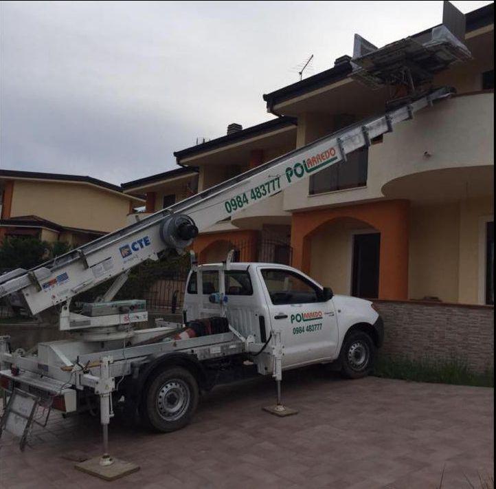 PoolArredo - offerta noleggio scale aeree - promozione furgoni per traslochi