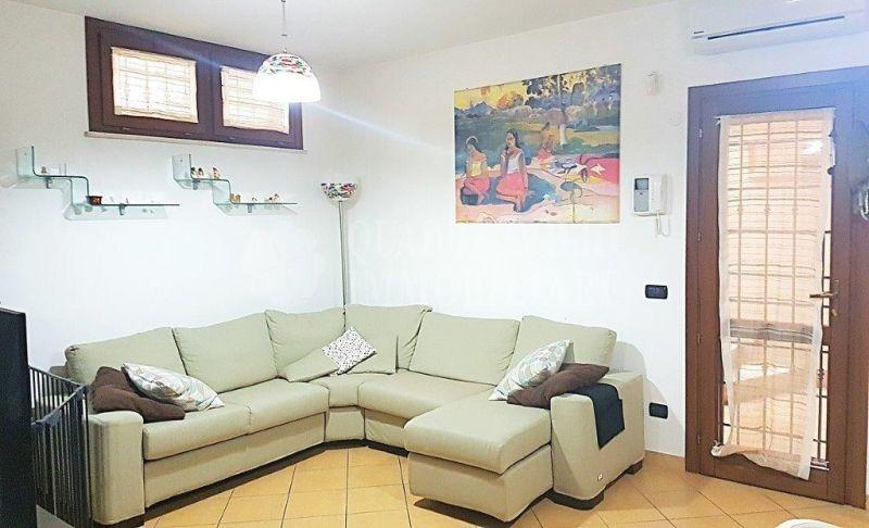 Offerta vendita villa Acilia Macchia Palocco - occasione villa quadrifamiliare in vendita Roma