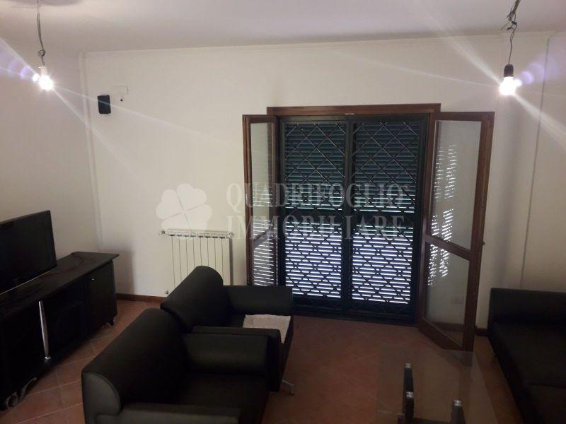 Offerta vendita villa Prato Fiorito - occasione villa in vendita Via Orosei Roma Est
